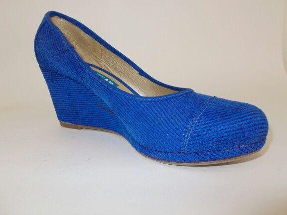 Colores vivos y comodidad en estos zapatos.
