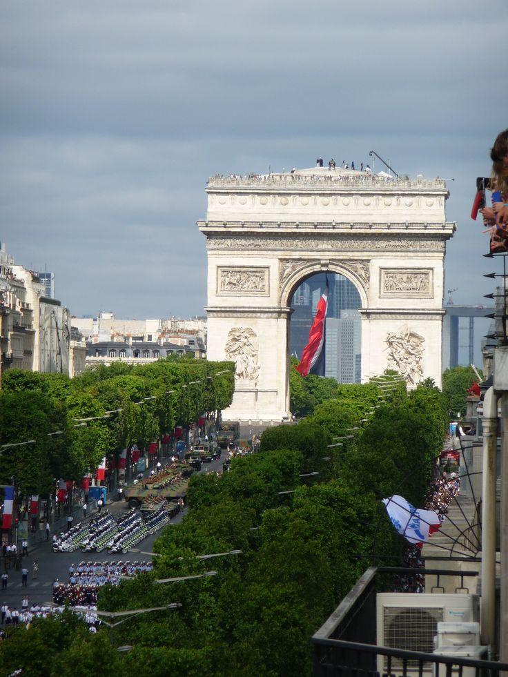 Arc de Triomphe, mardi 14 juillet 2015, 09h39