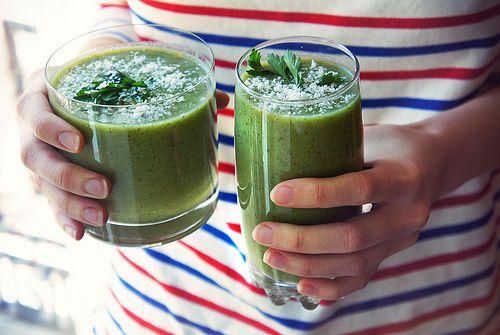 Зеленые смузи — суперсалат в стакане