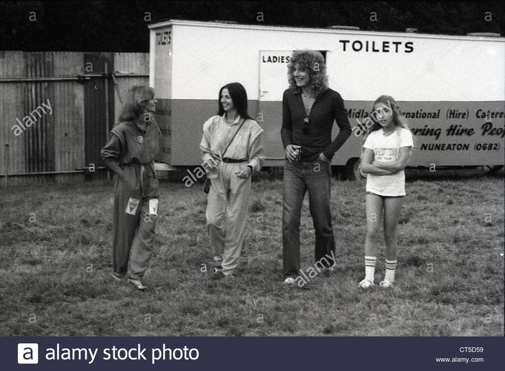 009479 - Robert Plant With His Wife Maureen And His Daughter Carmen Stock Photo, Royalty Free Image: 49292581 - Alamy
