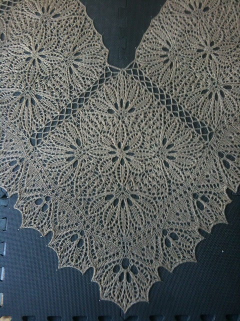 Ravelry: Elysium pattern by Janel Laidman in Twist collective Spring-Summer 2012.  What gorgeous work!
