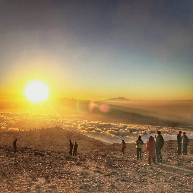 . Congrats!!! The impressive chosen pict of today is shot by one of genius #IndonesiaPhotographerS : @rully_alfaraby     location: Mt Semeru East java  wanna get reposted here? tag @indonesiaphotographers and dont forget to use  #indonesiaphotographers   #pengenkelilingindonesia #pengenkelilingdunia #awesomeplaceinindonesia #pengentraveling #pengentravelingdestinasi #pengentravelingindonesia #indonesia #awesomeplace #photography #photooftheday #fotograferindonesia #fotonesia #foto #indonesia…