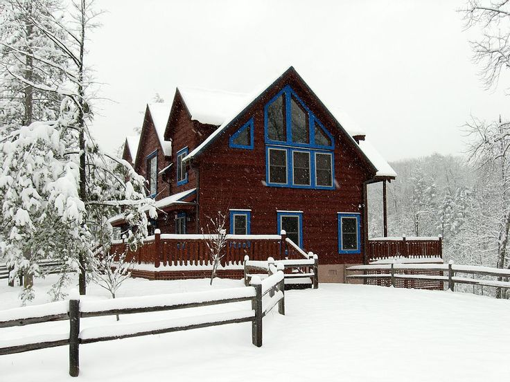 47 best blue mountain lodge near gatlinburg and pigeon for Tennessee winter cabins