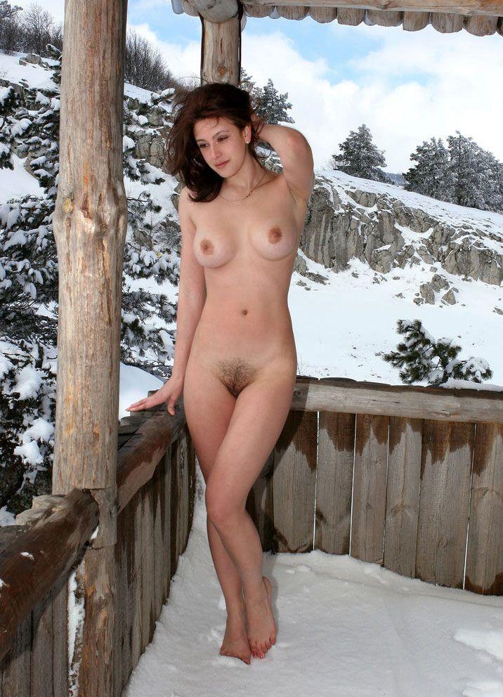 медленно снимают голые моржихи женщины люди на снегу чуствую себя
