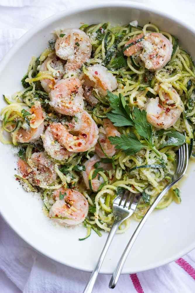 Shrimp Scampi mit Zucchini Nudeln