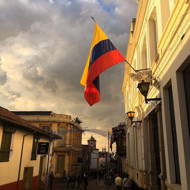 Beautiful Bogota - Military Museum  #museum #military #militarymuseam #museomilitar #bogota #igersbogota #colombia #igerscolombia #flag #colombianflag #sunset #photooftheday #museo #bandera #edificio #building #militar