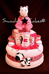 Diaper cake: Crafts Ideas, Shower Gifts, Gifts Ideas, Baby Gifts, Baby Ideas, Diaper Cakes, Zebras Diapers Cakes, Baby Shower, Baby Diapers
