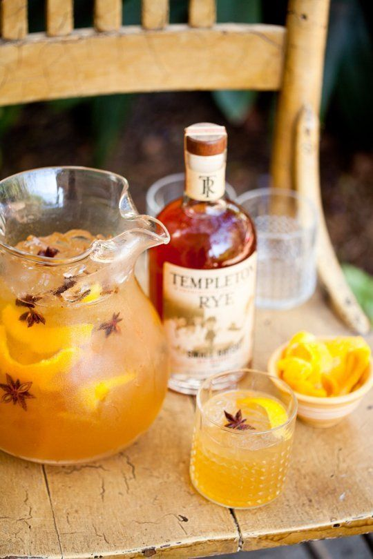 Thanksgiving Pitcher Drink Recipe: The Amber Rush Cocktail — The 10-Minute Happy Hour