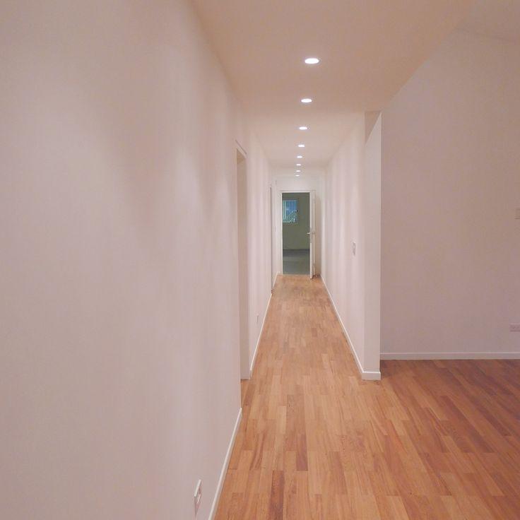 El cliente que adquirió la propiedad, manifestó su interés en mantener en lo posible la estructura y los espacios  de la casa para evitar costos innecesarios en la obra.