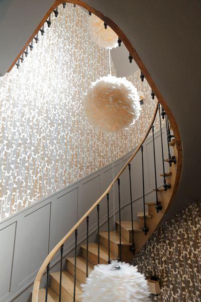 17 meilleures id es propos de cage escalier sur - Decoration de cage d escalier ...