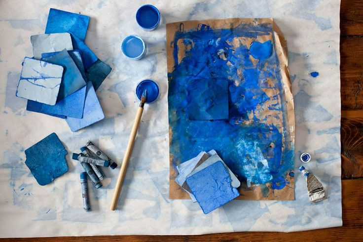 Helen' Quinn's happiest kindergarten memory is enthusiastically coloring geometric patterns.  Today, Helen's talent with color, texture, and interiors is seen in commercial catalogs (Pottery Barn, Target, Roost) as well as textiles she designed for Maharam, Q Collection, Nike, and paint lines for Martha Stewart. #blue