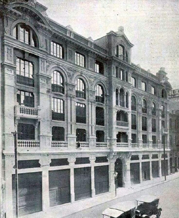 1922 - Prédio Cruz Vermelha na rua Líbero Badaró, 18.
