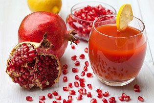 Granaatappels zijn gemakkelijk te slowjuicen en ook zeer gezond. De granaatappel vruchten bevatten supergezonde voedingsstoffen die wij heel goed kunnen gebruiken om ons immuunsysteem te versterken.  De vrucht is sappig en heeft aan de binnenkant grote cellen met daarin een pitje van ongeveer 3m