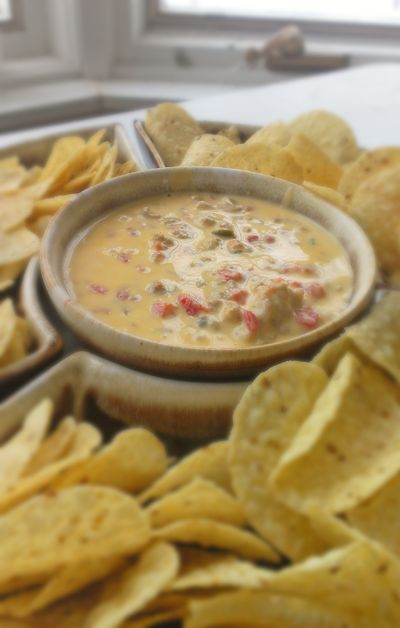YUMMY! Be the hit of the Big Game party with this crock pot queso dip! @Ashley Walters Walters Walters Walters Walters Sears | Crunchy Frugalistahy_f  #cbias #BigGame