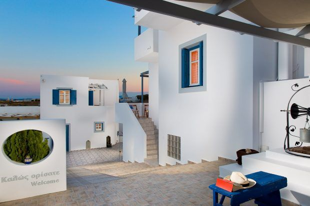 Now that spring is near the first month of Summer, what is better than you pass certain days of May at Vivere a Plakes in the beautiful island of Milos.