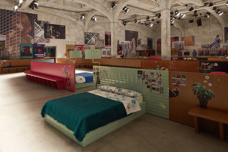 Сет-дизайн на шоу Prada вдохновит вас на ремонт дома