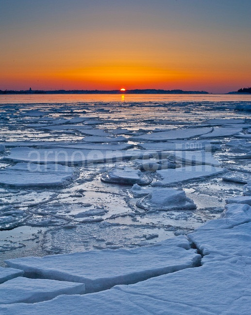 Sunrise over a frozen sea  © Arno Enzerink / www.stockphotography.nu All rights reserved.