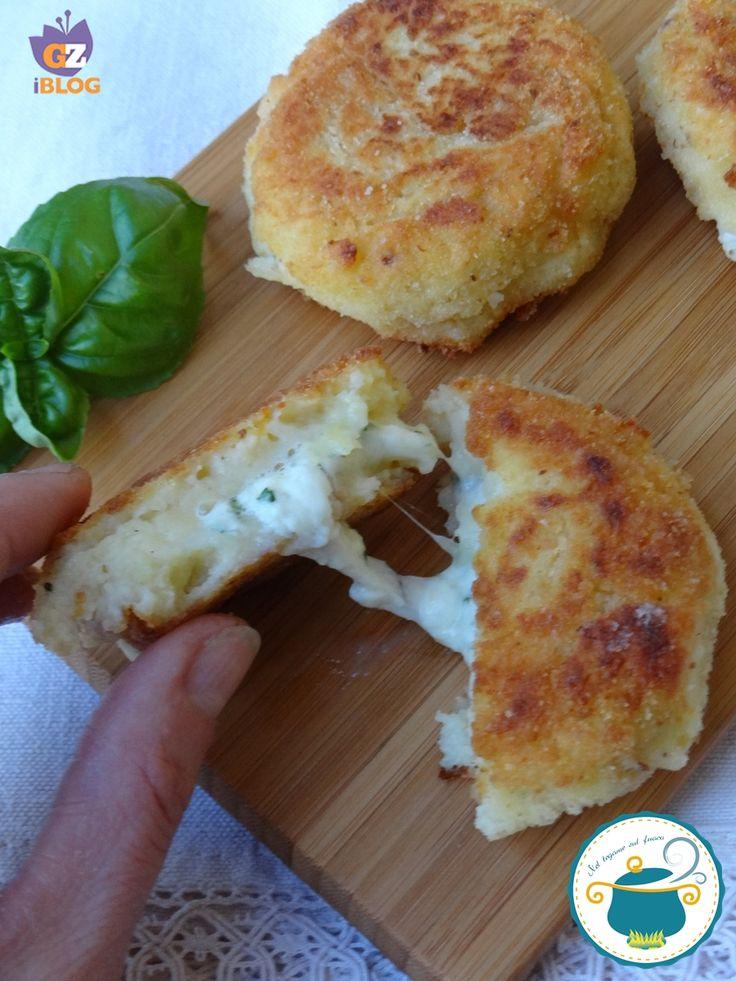 Crocchette di patate con cuore di burrata al basilico
