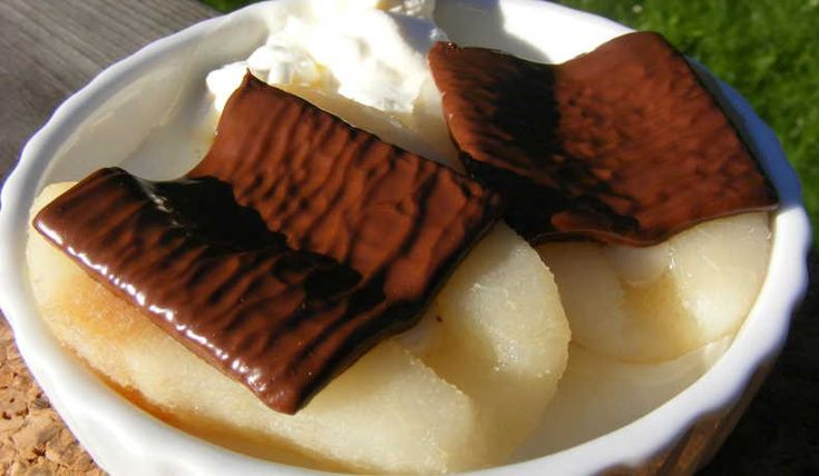 Inlagda päron gratinerade med mintchoklad. 225°, 3-5min.