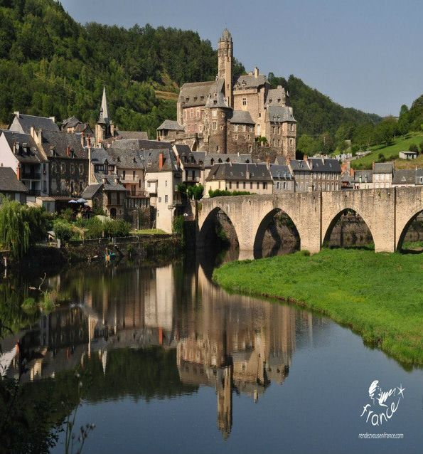 Estaing, Aveyron                                                       …
