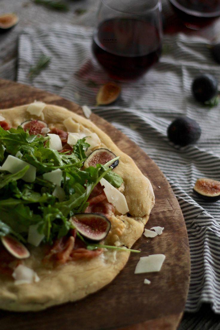 Fig & Prosciutto Flatbread Pizza