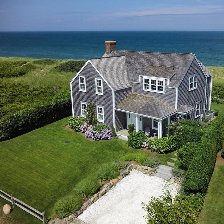 3923 best cape cod nantucket islands and homes images on for Cape cod beach homes