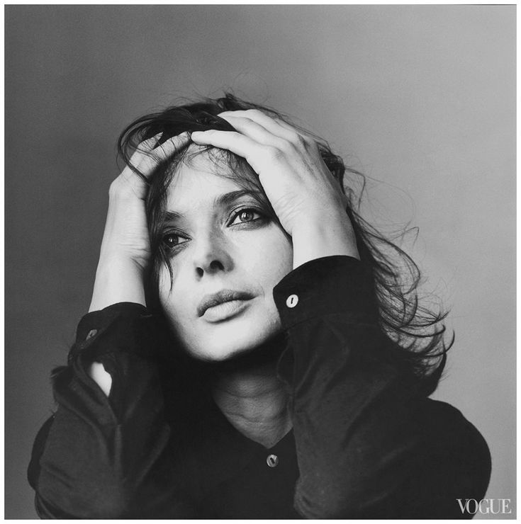 Isabella Rossellini Vogue, June 1997  Photo Irving Penn