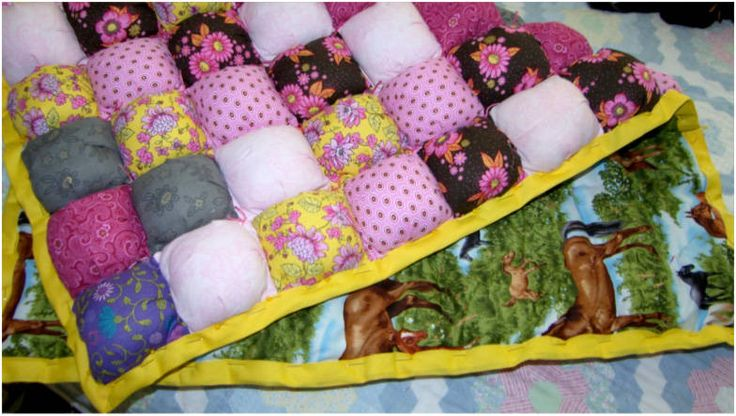 Intro to Puff Quilts- What Are Puff Quilts?  Puff quilts, often referred to as biscuit quilts, are lush comforters that are assembled by sewing squares of fabric together to form 'pockets,' and then stuffing the pockets with fiberfill.