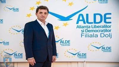 Ion Cupă, preşedinte ALDE Dolj: Nu va creşte cota de 16% privind impozitarea salariilor ALDE consideră că impozitarea veniturilor trebuie să rămână una de tip liberal. Cota de 16 % aplicată salariilor medii şi mari nu va fi marită. Discuţiile care se poartă acum sunt legate de ideea unei cote sau a unor cote sub 16 % privind impozitul pe venit pentru anumite categorii de salariaţi cu salarii mai reduse. Convingerea noastră este aceea de a avea un sistem de impozitare cât mai suplu care să…
