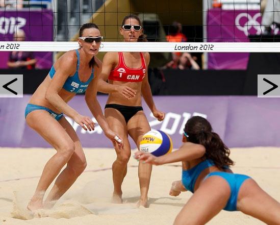 Terza vittoria su tre partite disputate per le ragazze italiane del beach volley. La coppia formata da Greta Cicolari e Marta Menegatti hanno battuto il Canada (Annie Martin e Marie-Andree Lessard) per 2-1 (21-12, 23-25, 15-10). In classifica le azzurre guidano il Girone F davanti a Russia, Gran Bretagna e Canada.