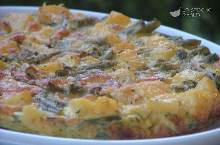 Il tortino patate e fagiolini è una frittata cotta al forno preparata con le patate e i fagiolini cotti al vapore, oppure lessati. Oltre ad essere molto saporito è anche leggero e poco calorico. Si può accompagnare con una bella insalata fresca per ottenere un pasto completo.