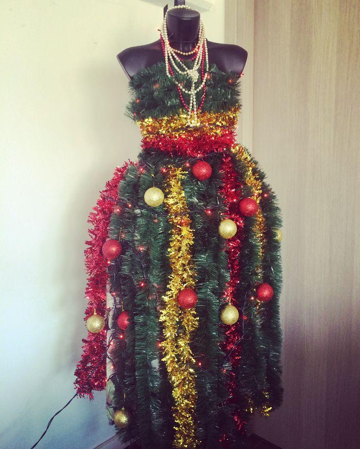 L'albero di Natale che abbiamo fatto in ufficio! Artestampa è creatività!!