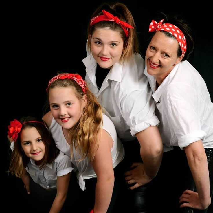 Pin up mum and daughters from PT´s Foto Fun
