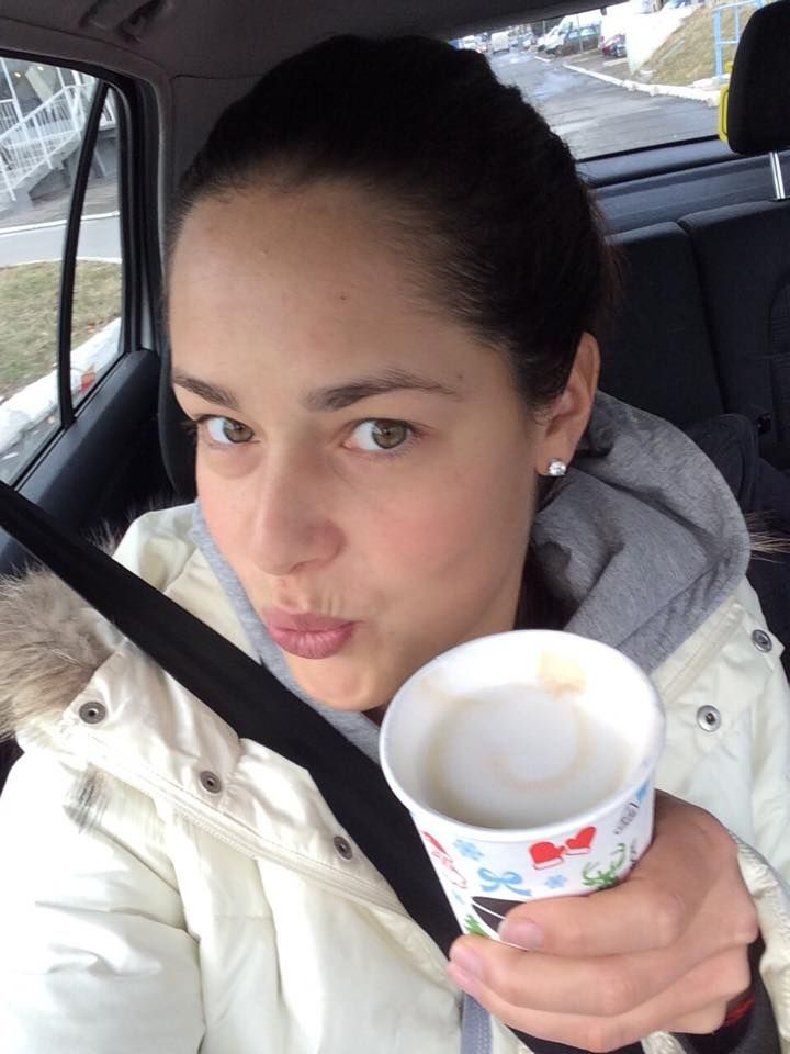 Ana Ivanovic <3·    A cup of coffee before todays practice...and a selfie :)