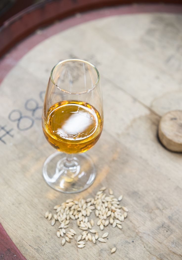Australian single barrel whisky. STARWARD distillery