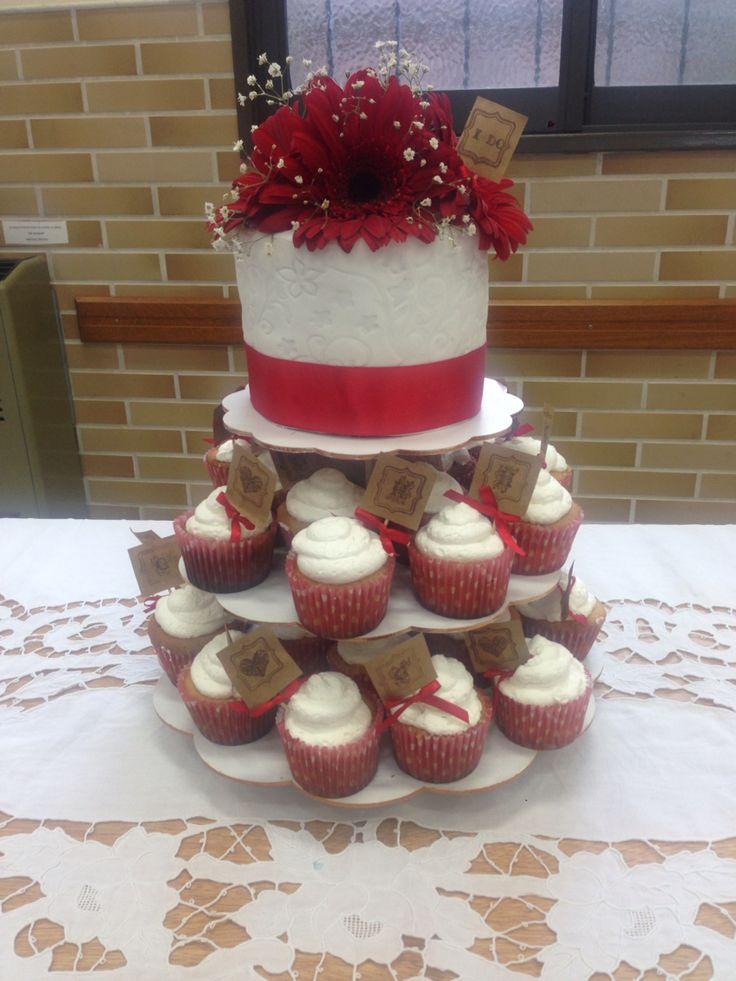 Cupcake tower. #weddingcake #red By MelinaYasmin