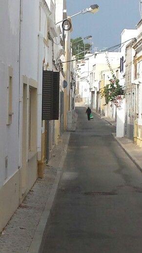 Smalle straatjes met kleine huisjes