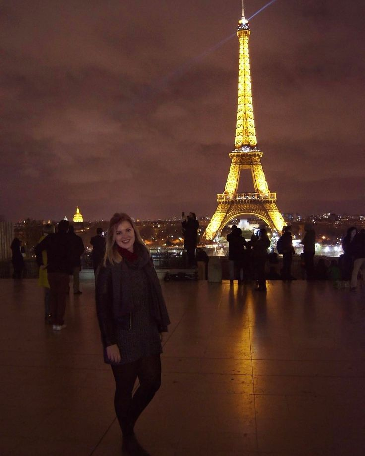 Sparkles and light   The Eiffel tower is a sight in the day but at night it's absolutely magical