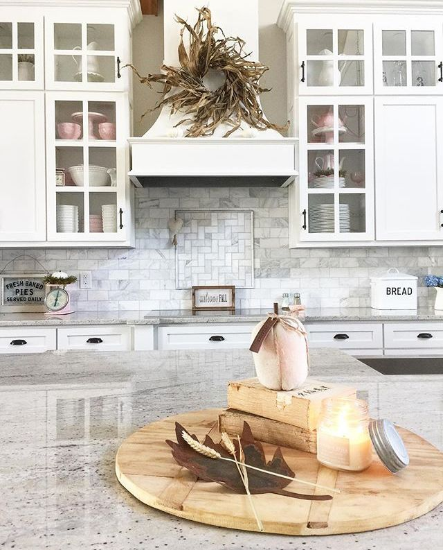 A festive #fall #kitchen with fall fragrances in the air~  An Antique Candle Works #candle is the perfect way to fill any home the the scents of the season! Beautiful #handmade soy candles - rustic #decor for the modern #farmhouse home.  PC: IG - beckyshep_