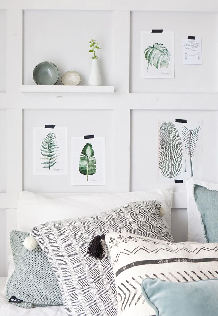Beside her work as an interior designer and a textile designer, the Danish Pernille Folcarelli produces handmade botanical illustrations. They look best hanging together in just a few frame styles.