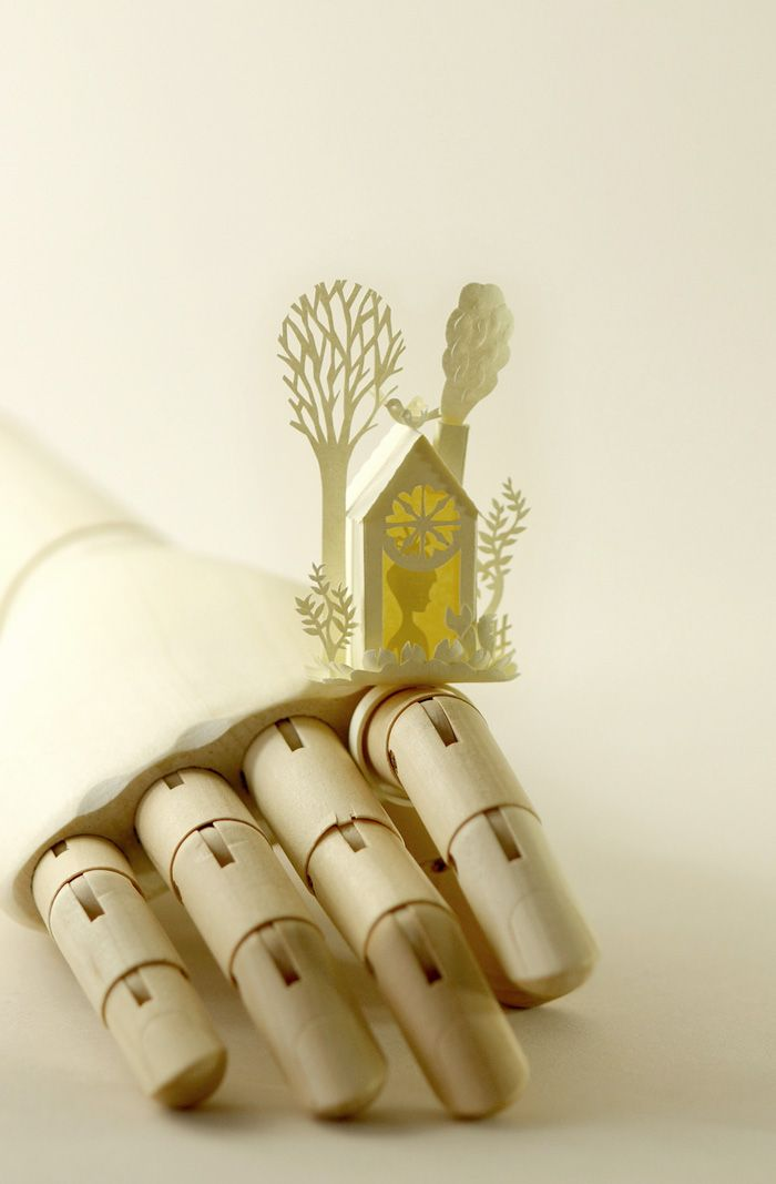 I wonder how this person's mind works. It must be hard to think that detailed. So creative.: Trees Rings, Elsa Mora, Papercutting, Cut Paper Art, Paper Sculpture, Paper Trees, Cut Rings, Paper Houses, Paper Cut Art