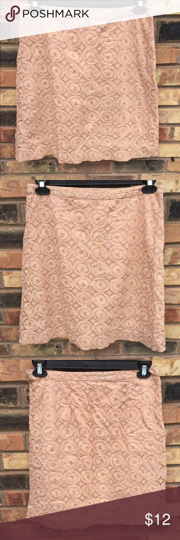Banana Republic peach stamp out skirt size 8 Banana Republic peach stamp out size8 skirt GUC Please see pictures for details side zipper very cute Banana Republic Skirts