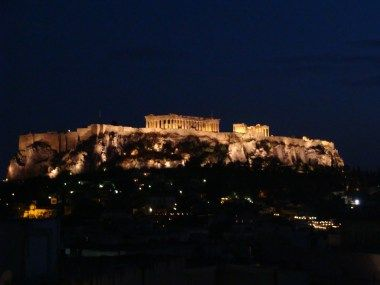 My review of mainland Greece, check it out on my blog! #turquoiseblogmtl #travelblog #traveladdict #greece #travelgreece #greecetravel #athens #acropolis #parthenon