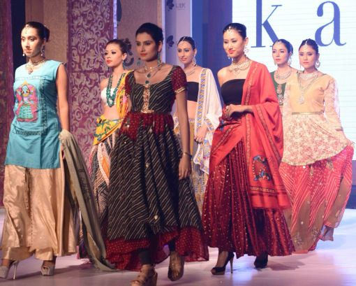 Kalajee Jewellery Jaipur showcased their designer uncut diamond jewellery collection at the fashion show