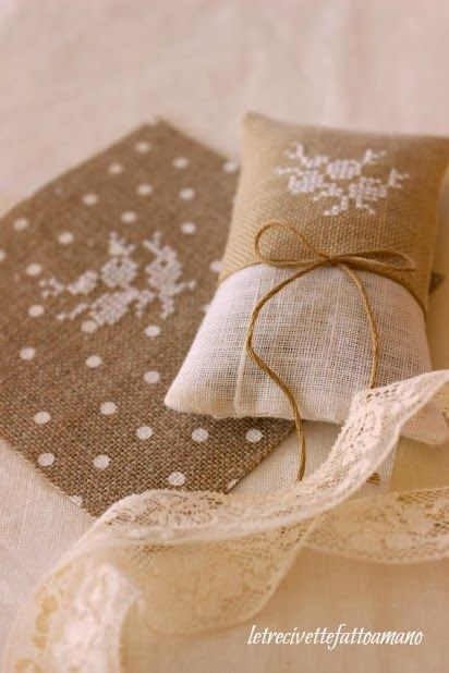 letrecivette: Sposa d'Inverno...--is that evenweave fabric in polka dot for cross stitch?  Didn't know that was available!  Love it!