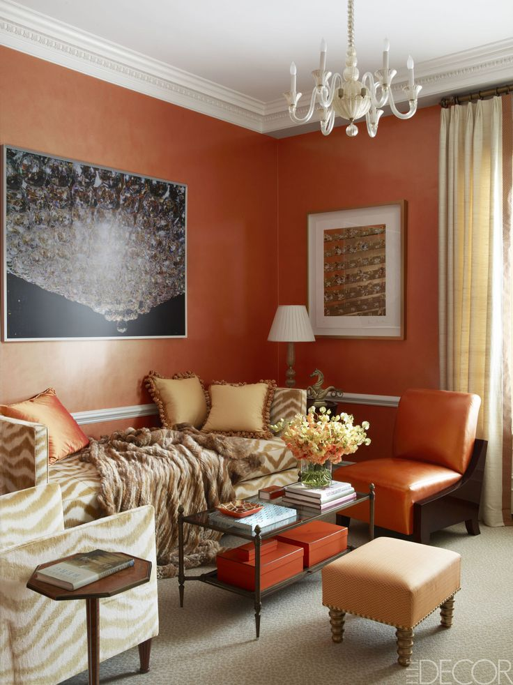 House Tour A Contemporary Home That Embraces The Art Of Collecting Daybed Ideascoffee Table Stylingorange