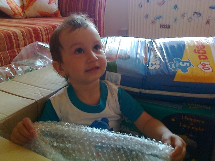 Po rozbalení balíka sa ešte vždy rád pohrám s bublinkami! :)