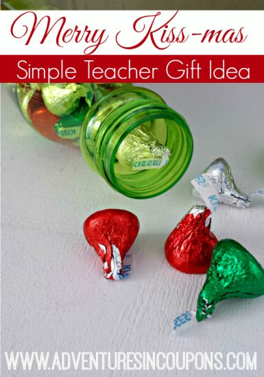 Looking for a quick and kid friendly gift for your kids teachers? This Merry Kiss-mas Simple Teacher Gift Idea is sweet in more ways than one!