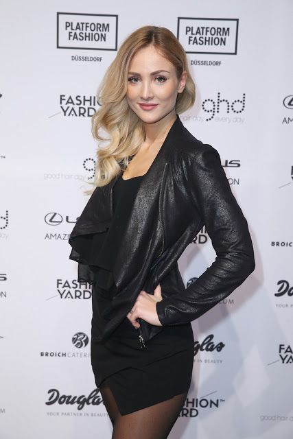 Celebrities In Leather: Carmen Mercedes wears a black leather jacket