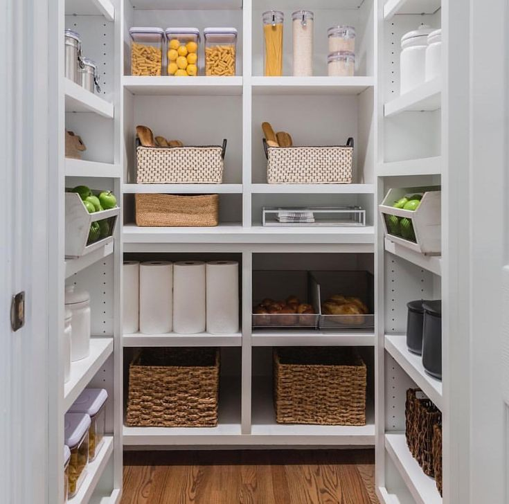 Hilary Farr Kitchen Designs: Pin By Timie Kavouklis On Kitchen In 2019